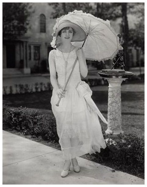 (via Josephine Dunn - c. 1920s | Gorgeous Costumes or Historical Clothing …)