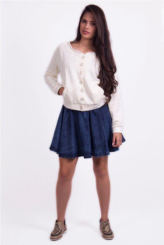 Falda Campanita $60.000 Adquiérelo en: www.ropaalmadivina.com #estilo #ropa #tendencias #universidad #outfit #prendas #almadivina #accesorios #diseños #novedades #casual #collar #elegante #moda #medellin #domiciliogratis