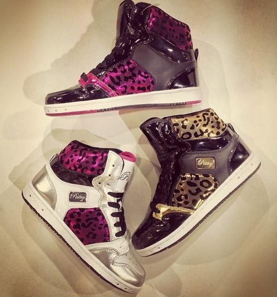I want a pair sooooo bad:(