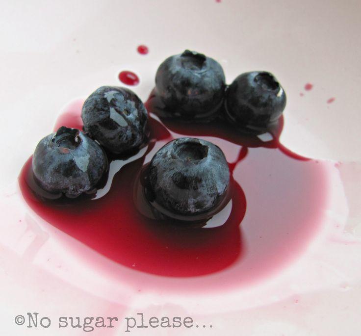 Blueberry ice! http://nsugarplease.blogspot.it/2013/07/ghiaccioli-al-succo-di-mirtillo.html