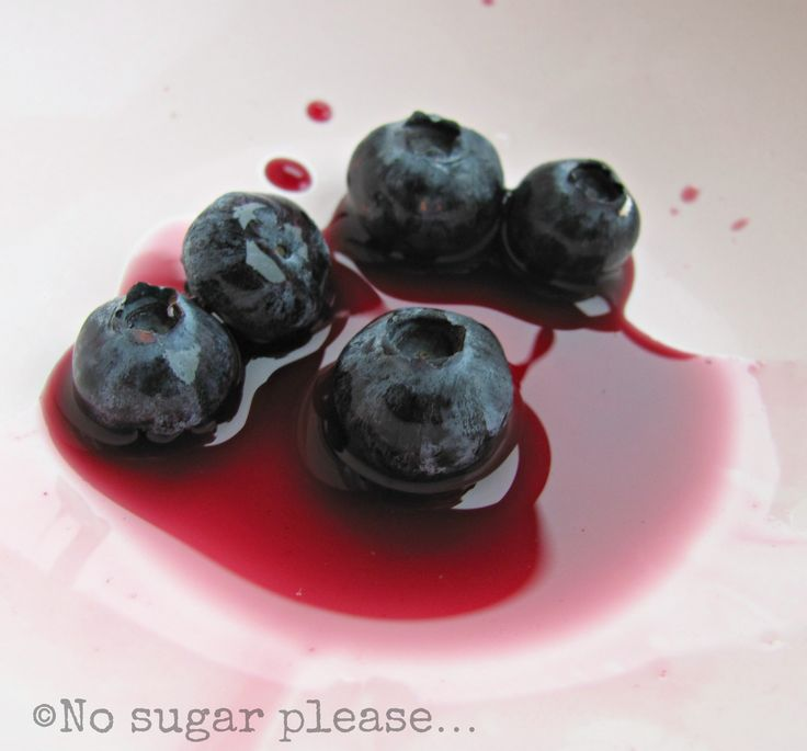 Blueberry ice! http://nsugarplease.blogspot.it/2013/07/ghiaccioli-al-succo-di-mirtillo.html