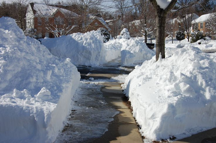 picture of snow piles