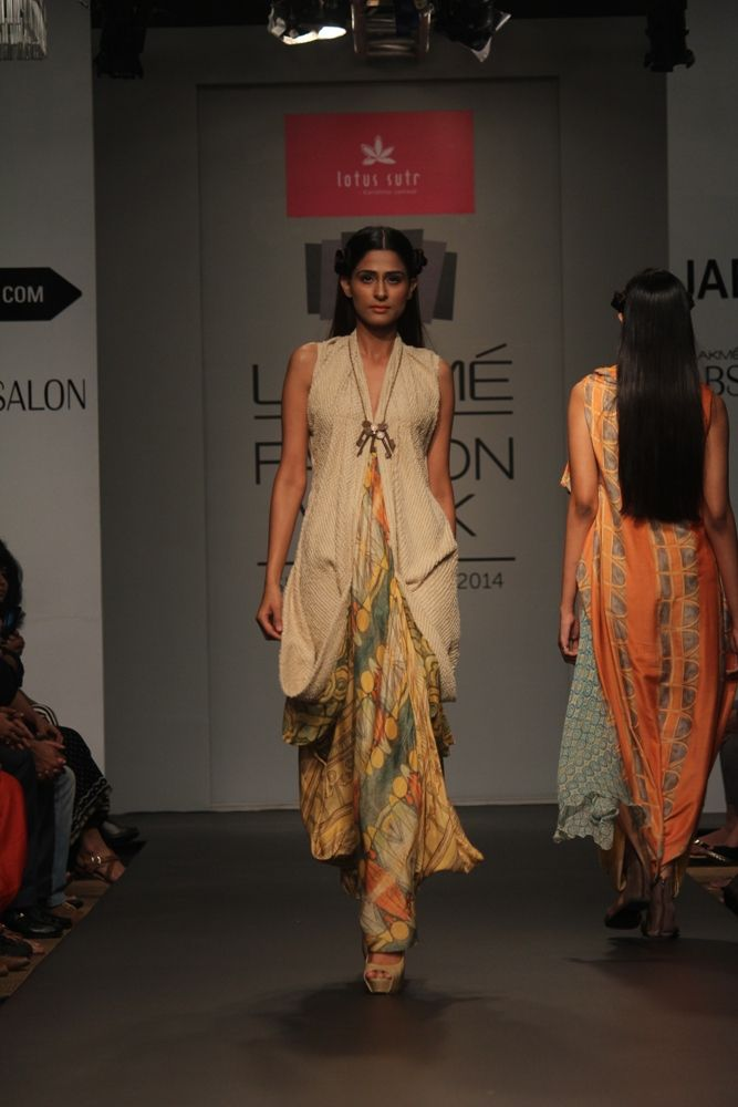Karishma Jamwal S R 2014 Fashion Dress Fashion Lakme Fashion Week Fashion Week