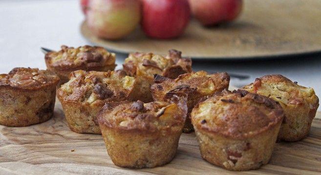 Æblemuffins med marcipan og kanel