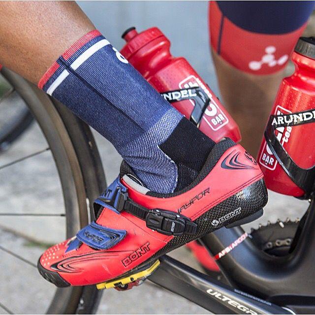MyBonts Monday  Create your own: www.bontcycling.com/mybonts  Regram: @csnotubes  #bc #bontcycling #mybonts #mybontsmonday #custom #cyclingshoes #bidons  https://instagram.com/p/5oXzGnGKX3/