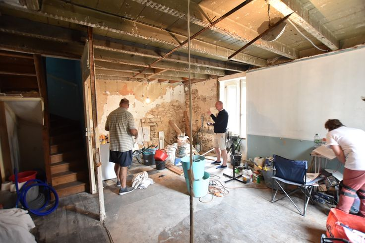 Cognac townhouse renovation www.andrewloaderdesign.com.au - job site meeting