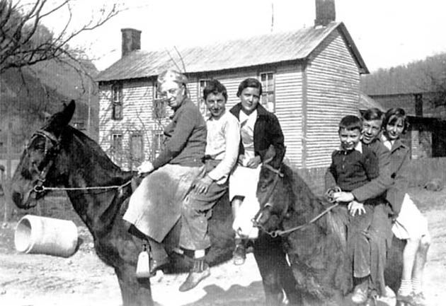 Teacher & Students Riding Mules To School Big Creek Institute was located in Manchester, Clay County, Kentucky. The nearest public high school was at Manchester, 16 miles away, and there were no highways. Big Creek Institute opened with 50 students, including five high school students. The school finally closed its doors in 1942, after 20 years of service.