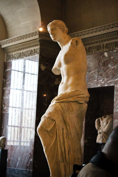Venus de Milo, currently in Louvre......  Hope someday back home....!!!!