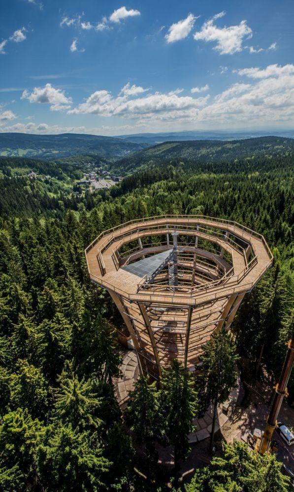 Nieuw boomkroonpad geopend in het Tsjechische Reuzengebergte