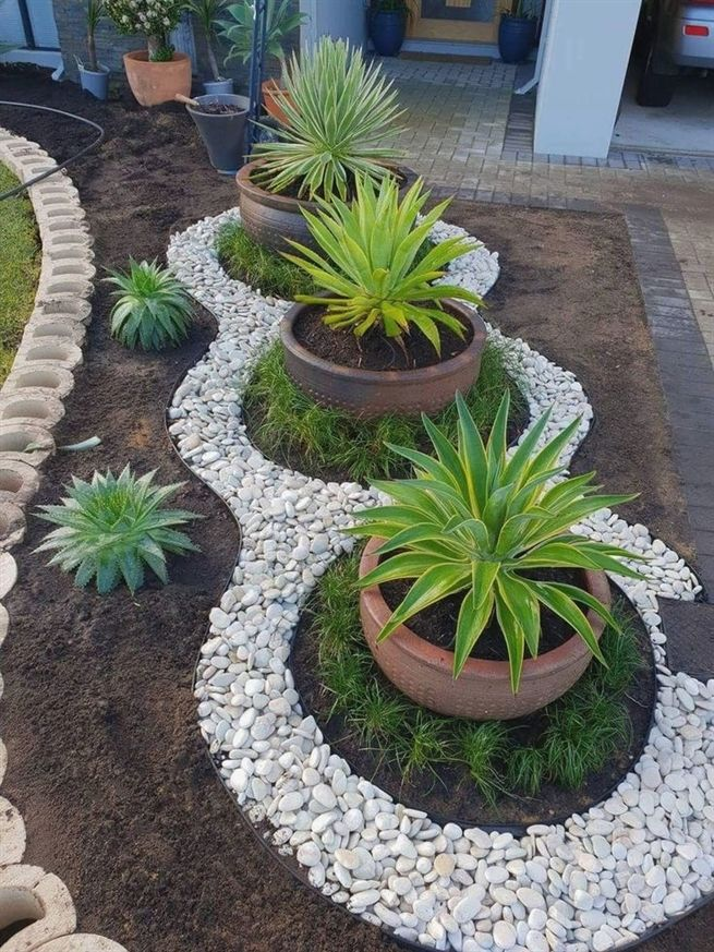 22 Diy Curb Appeal Ideas That Are Dirt Cheap But Look Pricey Rock Garden Landscaping Front Yard Landscaping Design Diy Landscaping