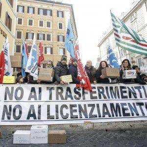 """Occupazione  la denuncia della Cgil:  """"Il lavoro lascia la Capitale e il Comune resta in silenzio"""" #lavoratori #salari #tasse #roma #stipendo #INPS"""