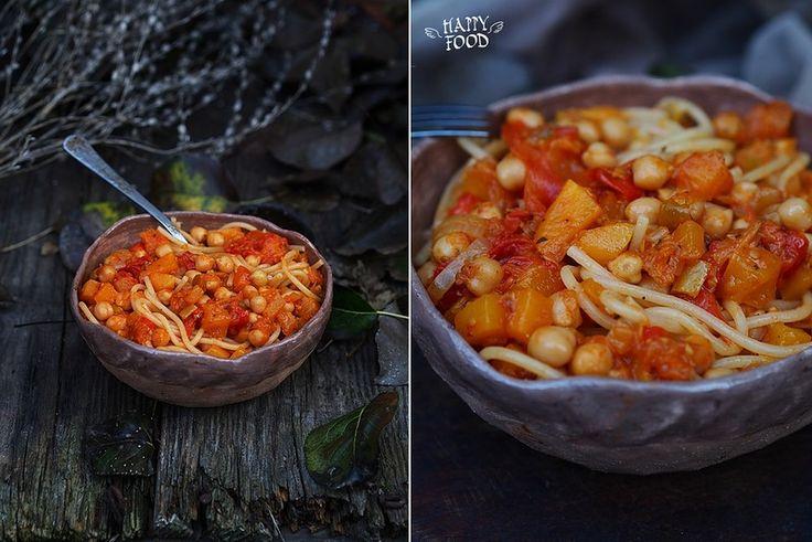 Паста с нутом, тыквой и томатами - HAPPYFOOD