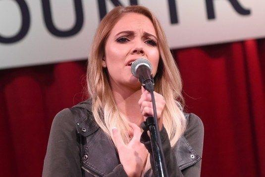 Danielle Bradbery – A Little Bit Stronger – The Voice ...