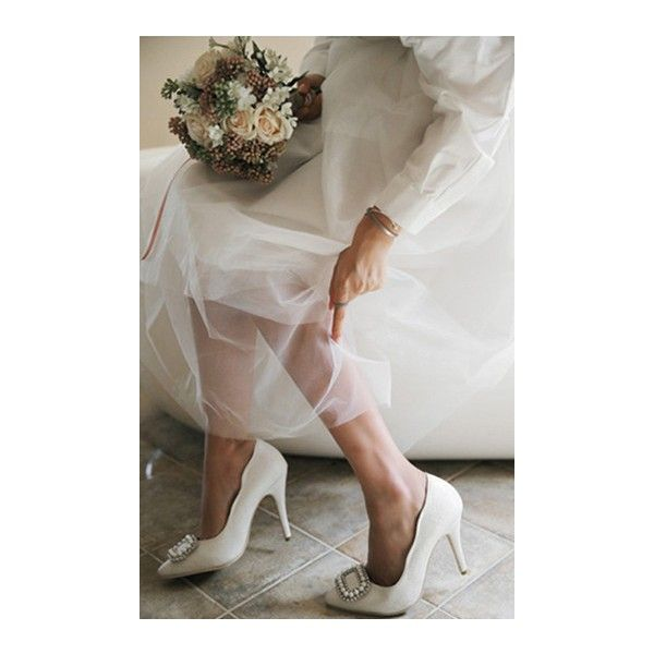 Women's Style Pumps and D'orsay Heels Winter Fashion Wedding Ideas New Year Holiday Party Outfit 2018 Italian Street Style Outfit 2018 White Bridal Heels Rhinestone Pointy Toe Pumps Stiletto Heels for Wedding For Party Elegant Wedding Dresses Shoes, Wedding, Anniversary | FSJ