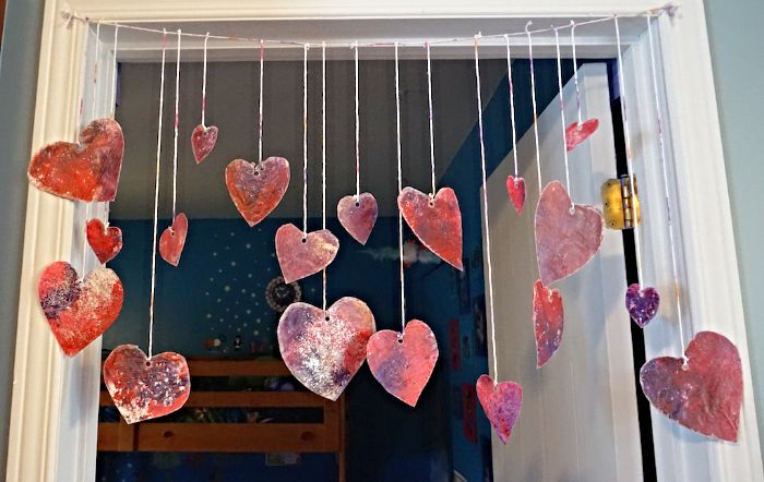 Bricolage enfants Saint-Valentin, St-Valentin. Arts and crafts kids. Hearts. Coeur.