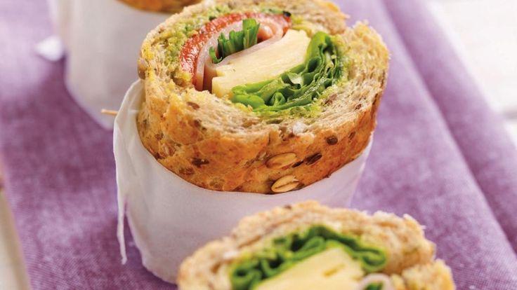 Oppskrift på Grov sandwich med kylling og urter