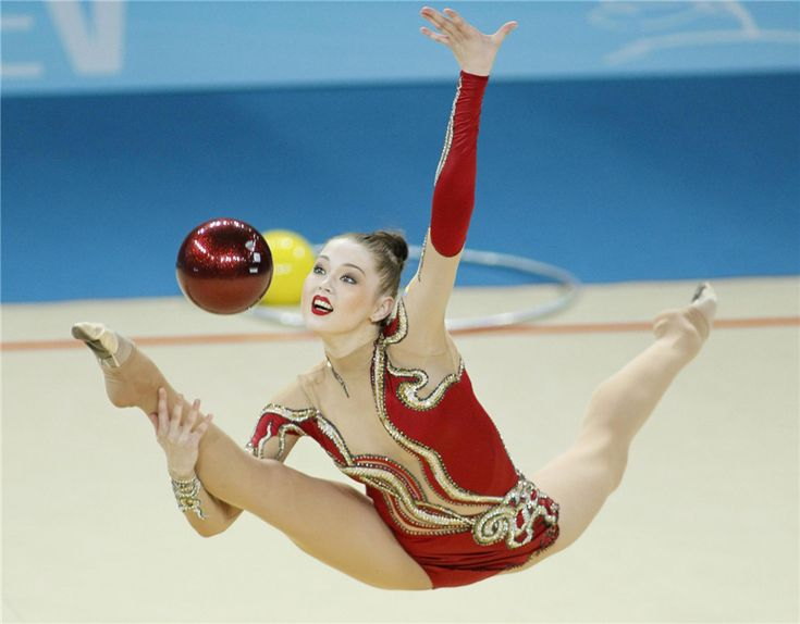 Alina Maksymenko of Ukraine performs during the individual ball competition final at the 32nd Rhythmic Gymnastics World Championships in Kiev, Aug 28, 2013.