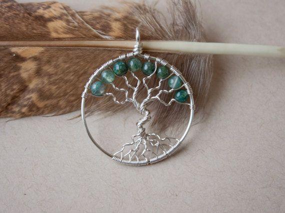 Pendentif arbre de vie agate mousse par oPetitePlumeo sur Etsy #wirewrap #handmade #gemstones #jewelry #pendant #cristals #precious #necklace #tree #treeoflife #petiteplume #opetiteplumeo #boho #gypsie #bohemian #moss #agate