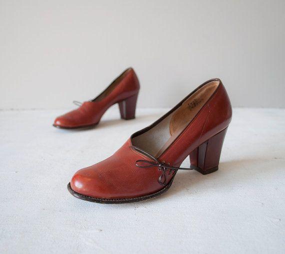 Vintage 40s Pumps / Russet Brown Leather / 1940s Heels / Shoes 7 ($50-100) - Svpply