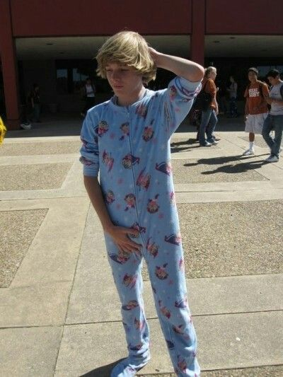 Sent To School In Wet Diaper And Footed Pajamas Do To -1024