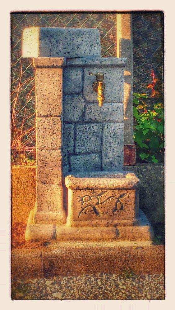 Fontana mod. fonte antica, finitura: antichizzata. Località: Formignana (Ferrara).