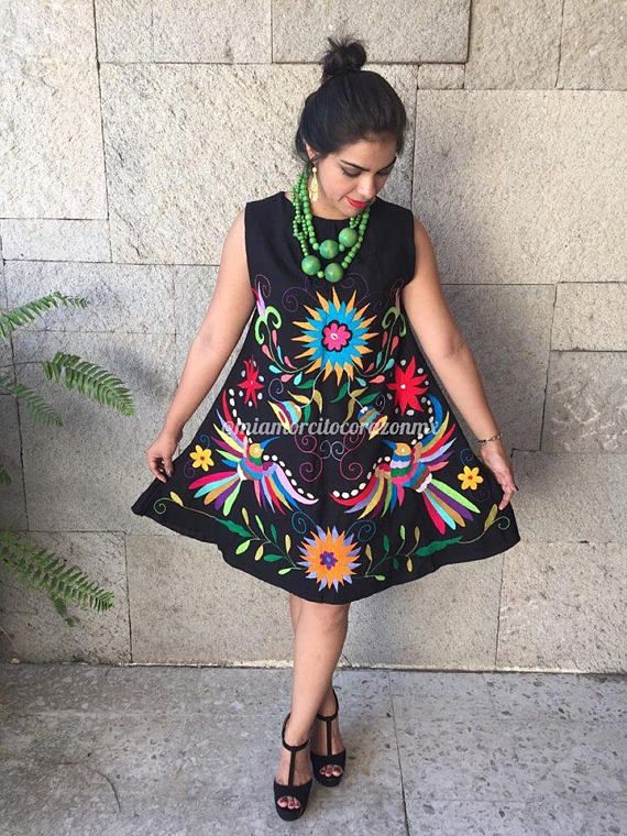 Gorgeous Mexican Dress Modern And Hand Embroidered Made Of Soft Muslin Fits Size Medium