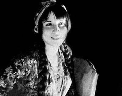 Semiha Berksoy, ilk kadın opera sanatçımız. (1910-2004)