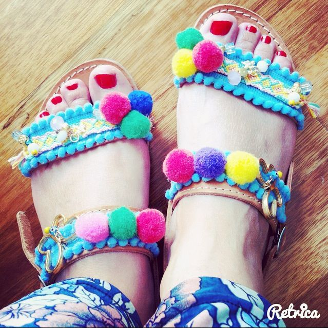 #boho #sandals #bohostyle #bohosandals #pompom #colorful  #fashion #diy #friendshipbracelet