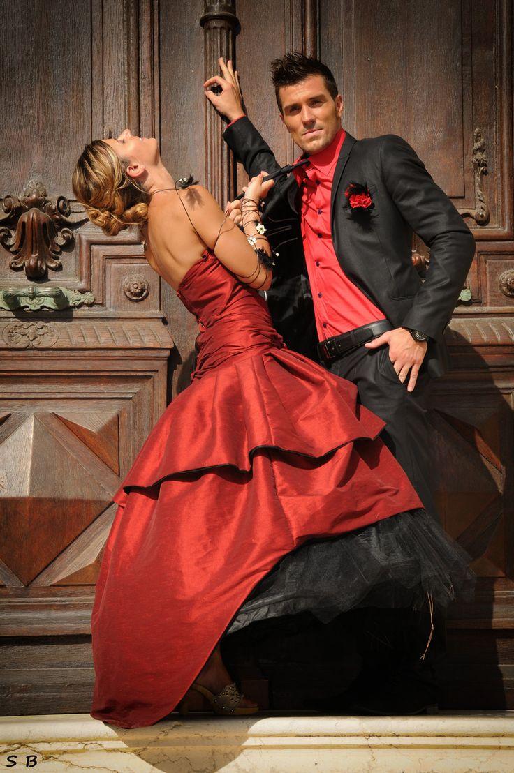 Robe de mariée Alizée rouge et tulle noir mariage rouge red dark ...