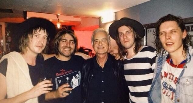 PHOTO: Jimmy Page photographed two nights ago in London with Australian band The Delta Riggs #gettheledout