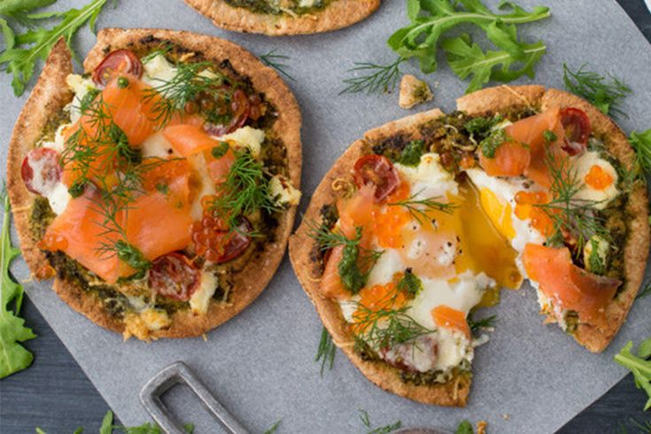7. Smoked Salmon Breakfast Pizza #healthy #breakfast #pizza http://greatist.com/eat/healthy-breakfast-pizza-recipes