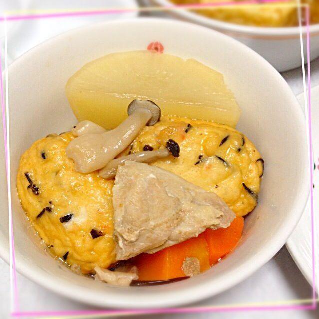 大根菜の炒め物は大人用で、 大根の部分は煮物にしました。  久々に圧力鍋登場✨ 実家産の白だしで、シンプル味付け。  熱も下がり、お代わりして食べてくれました〜♪( ´▽`) - 36件のもぐもぐ - 娘には煮物 by nekomossan