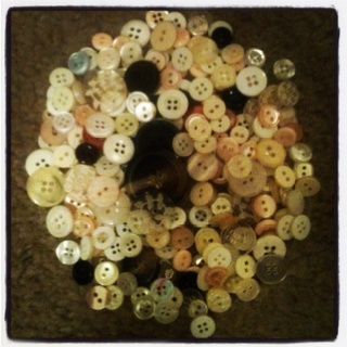 Buttons buttons buttons buttons: Benjamin Buttons, Buttons Buttons, Buttons Etc, Buttons Art, Antique Buttons, Buttons Boxes, Antiques Buttons, Beautiful Buttons, Belly Buttons