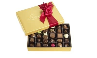 Best gift for the girlfriend with a sweet tooth: Godiva Chocolatier Gold Ballotin