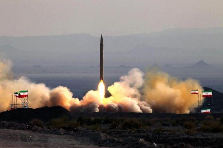 Έξαλλος ο πρόεδρος των ΗΠΑ Ντόναλντ Τραμπ από την πυραυλική δοκιμή στην οποία προχώρησε το Ιράν. Ο συγκεκριμένος πύραυλος μπορεί να φέρει πολλές κεφαλές.