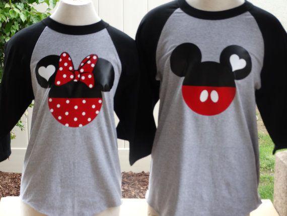 Envío gratis para nosotros, Mickey y Minnie Mouse béisbol parejas T-Shirts.Black y gris