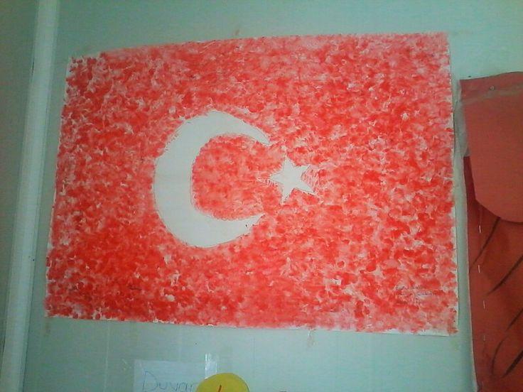 Türk Bayrağı -Sadece sulu boya ve ıslak mendil ile yapılabilecek eğlenceli bir çalışma