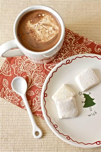 Baileys MarshmallowsHomemade Baileys, Christmas Time, Baileys Marshmallows, Coffe Art, Homemade Marshmallows, Christmas Engagement, Coffe Coffe, Christmas Ideas, Baileys Irish Cream