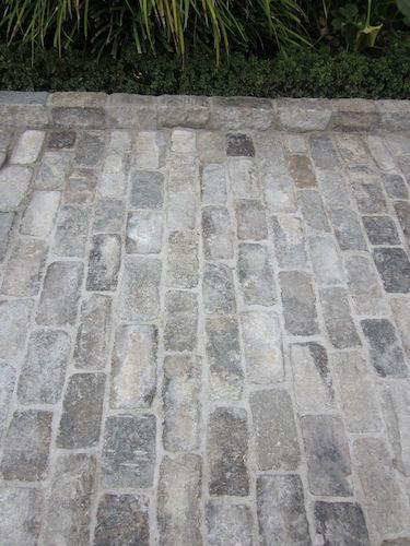 Antique Granite Cobblestones | Historical Bricks