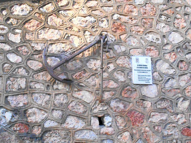 Ancla donada por la Armada Española a la Ciudad de Cuenca