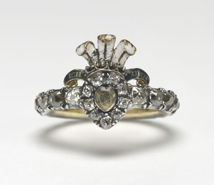 Queen Mary's Ring, Consort of King George V created in 1736