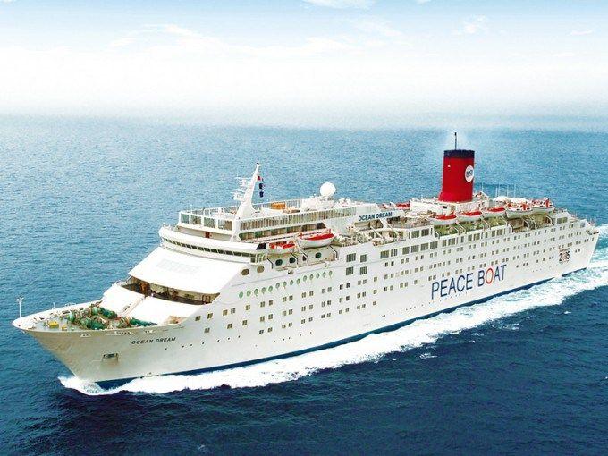 豪華客船「オーシャンドリーム号」。 洋上ジャグジーからお子さんと共に満点の星空を眺めるなんていう贅沢も。