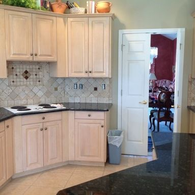 Peacock Granite On Light Wood Kitchen Cabinets Traditional Kitchen