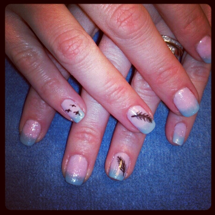 shellac Feather nails | Nails by me! #nailsbytracim | Pinterest