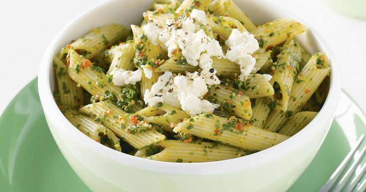 Creamy ricotta and rocket pesto are a yummy combo in this diabetes-friendly penne.