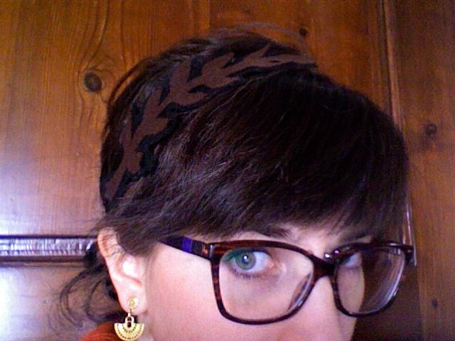 Felt headband with leaves