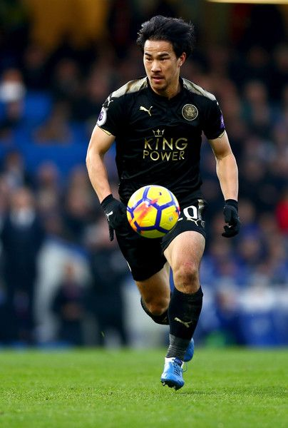 Shinji Okazaki Photos - Shinji Okazaki of Leicester City in action during the Premier League match between Chelsea and Leicester City at Stamford Bridge on January 13, 2018 in London, England. - Chelsea v Leicester City - Premier League
