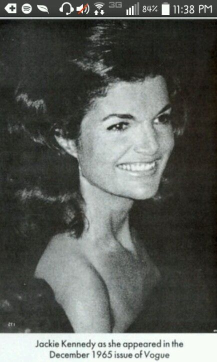 Jacqueline Kennedy Vogue Magazine ! 1965