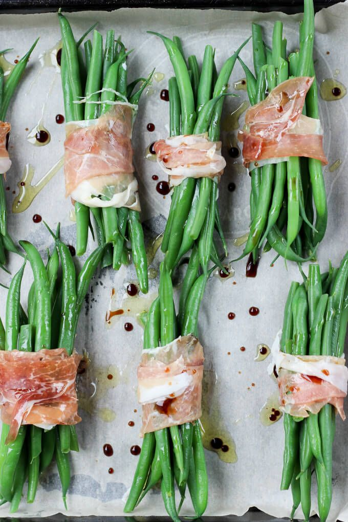 Crispy Prosciutto Wrapped Balsamic Green Beans | A great paleo side dish for any occasion!