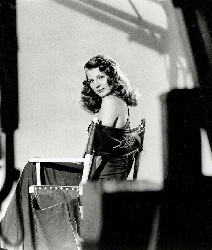 Cómo lucir un look años 40: Rita Hayworth en #Gilda con su voluminosa y larga melena con ondas